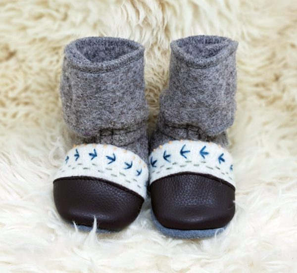 Tildaleins-Shop-NooksDesign-Booties-caribou-vorne