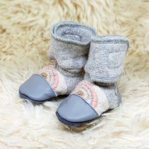 Tildaleins-Shop-NooksDesign-Booties-rainbowmoon-seitlich