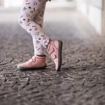 Tildaleins-Shop-be-lenka-winterbarfussschuhe-penguin-pink